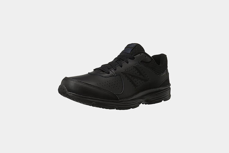 New Balance Men's MW411v2 Walking Shoe for retail workers