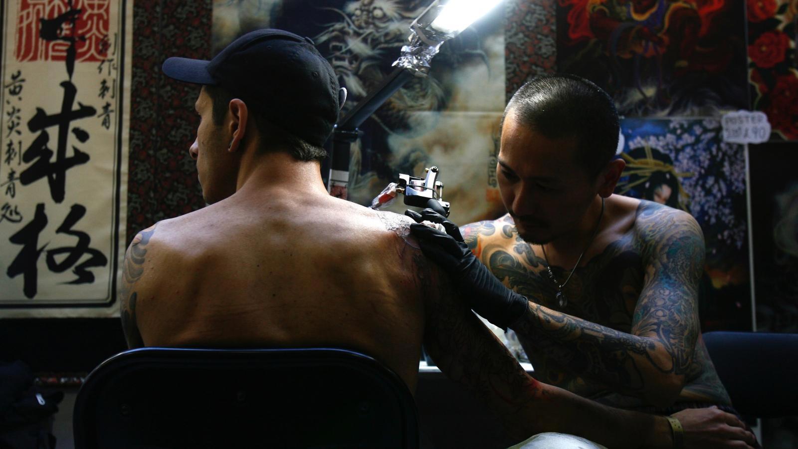 fadee0302d672 The 80 Best Shoulder Tattoos for Men | Improb